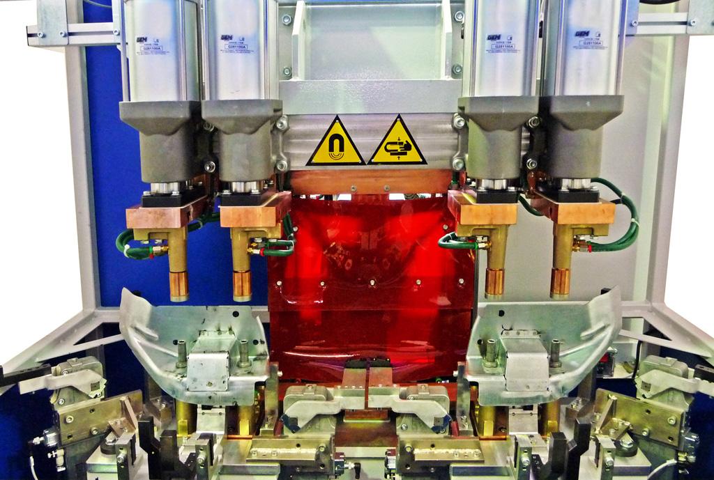 Puntatrice multipla a 4 cilindri di saldatura